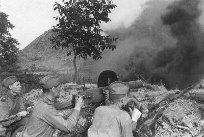 Soviet troops during the Battle of Kursk